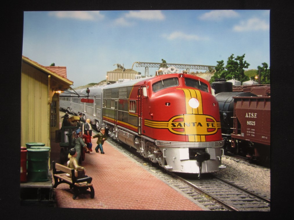 Photo of 2nd Place ATSF Model Photo of F unit pulling into station